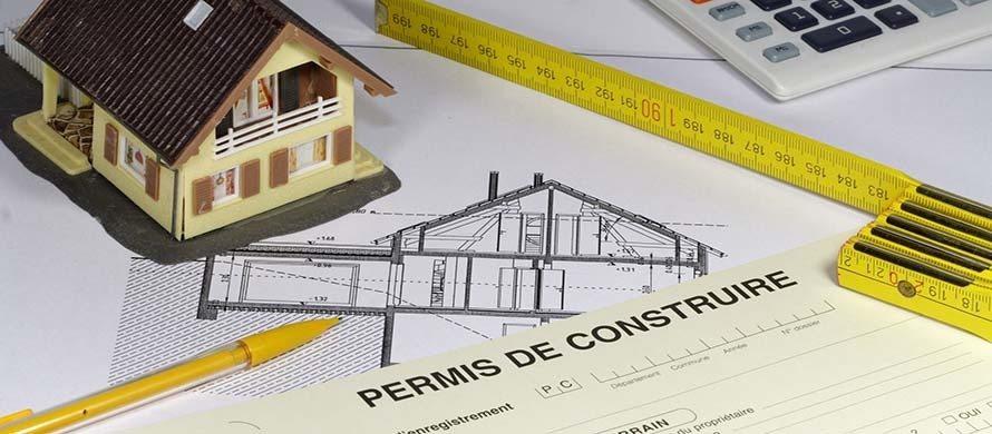 Comment choisir entre déclaration préalable de travaux ou permis de construire ?